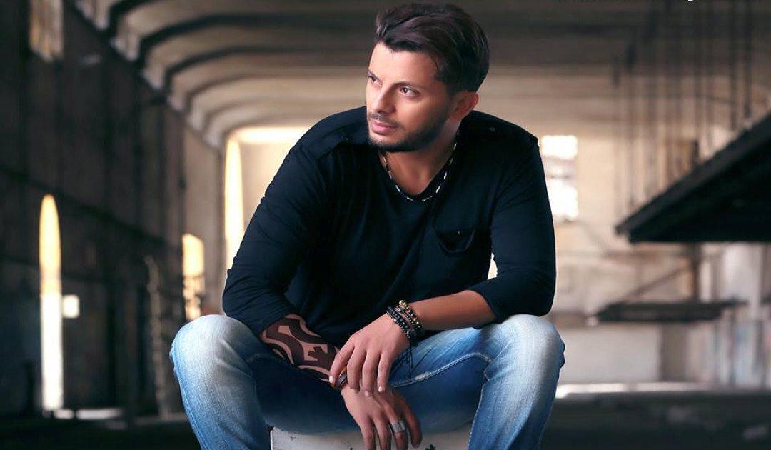 """حاتم عمور يتصدر تطبيق أنغامي بأغنيته """" حسدونا """""""