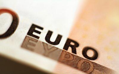 انخفاض اليورو في ظل التخوفات من نتائج الانتخابات فرنسية