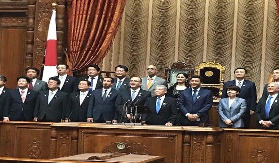حكيم بنشماش يلتقي بالوزير الأول الياباني ورئيس مجلس المستشارين