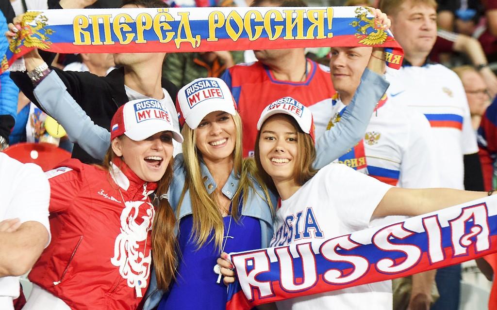 مسؤول روسي يتحدث عن شغب المشجعين الروس
