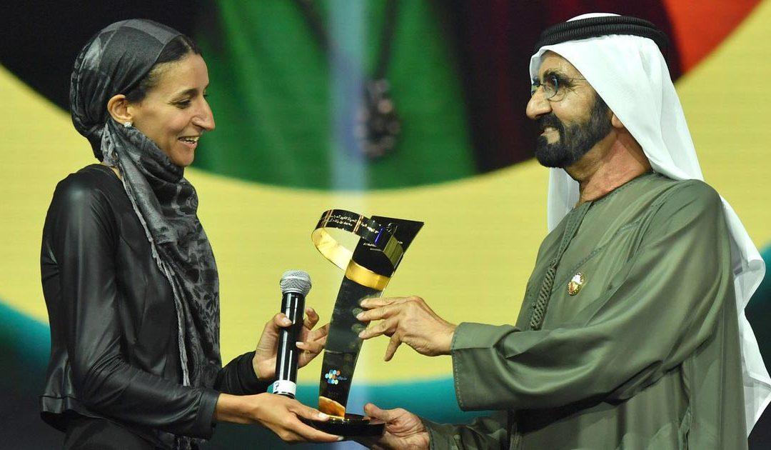 المغربية نوال الصوفي تفوز بجائزة صناع الأمل العربي بدبي