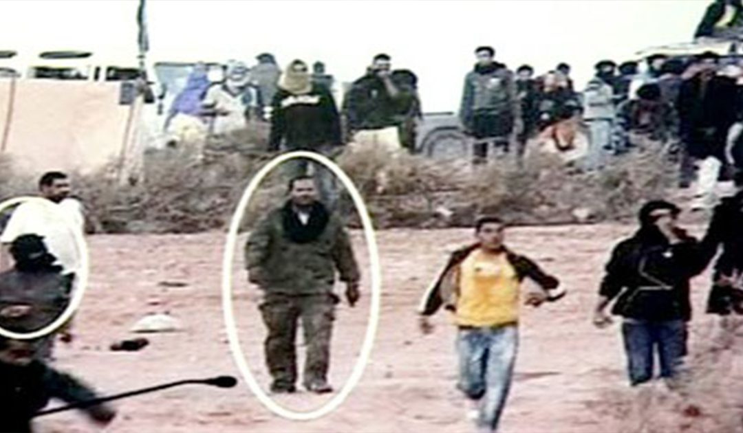 اكديم إزيك..عرض شريط وصور للمتهمين في حالة تلبس أثناء تفكيك المخيم