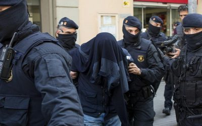 """القبض على أربعة أعضاء بـ""""داعش"""" في إطار عملية أوروبية لمكافحة الإرهاب"""
