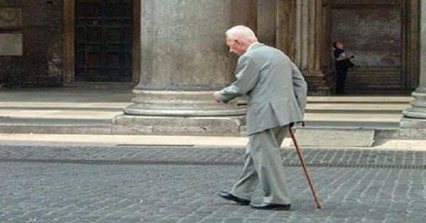 وفاة أكبر رجل معمر في العالم عن 113 عاما