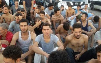 """المهاجرون المغاربة العالقون بـ""""ليبيا"""" يعودون إلى أرض الوطن"""
