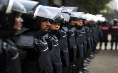 سجن 50 شرطي وعزل مجموعة منهم بعد أن أضربوا عن العمل