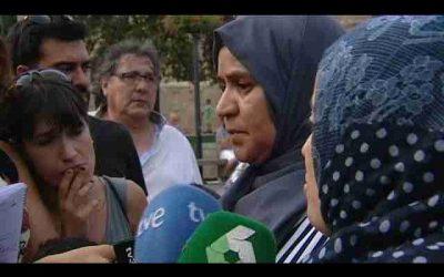 والدة منفد هجوم برشلونة : الإسلام بريء منك وأطالب بتسليم نفسك للسلطات +(فيديو)