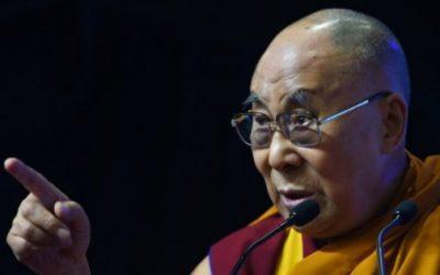 الدالاي لاما يدعو اونغ سان سو تشي الى حل أزمة الروهينغا سلميا