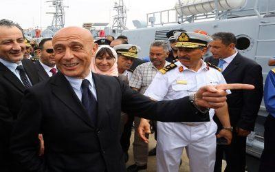 وزير الداخلية الإيطالي يزف خبرا سارا لمغاربة إيطاليا