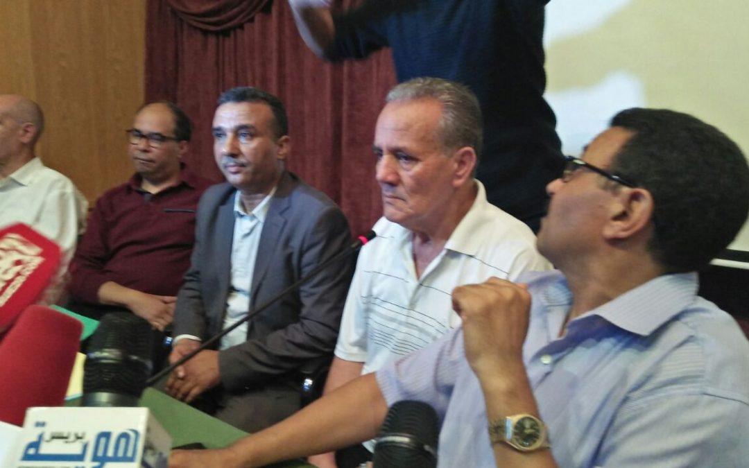"""الزفزافي : """"لسنا إنفصاليين""""…ويكشف سبب رفع أعلام الريف من المتظاهرين"""