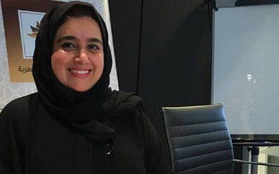 """الكاتبة القطرية خولة مرتضوي توقع عقد إصدار كتابها الثاني """"الخروج للداخل"""""""