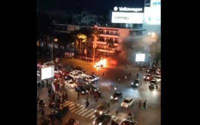 فيديو لاحتراق سيارة بشارع الزرقطوني بالبيضاء