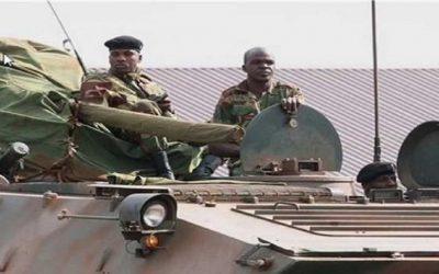 """زيمبابوي: الجيش يستولي على السلطة ويضع الرئيس """"موغابي"""" رهن الإقامة الجبرية"""