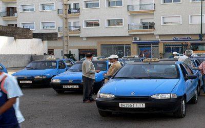 """سائقي سيارة الأجرة يكشفون مخاطر تطبيق """"UBER"""" و """"CAREEM"""" وخرقهما للقانون +صور وفيديو"""