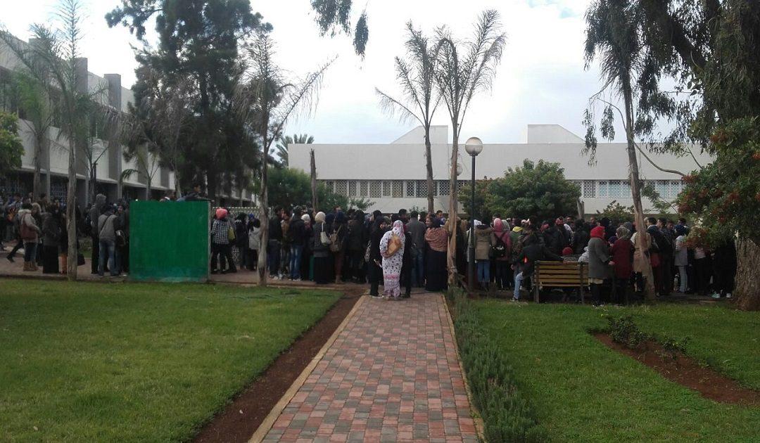 كلية الاداب بالسويسي تستجيب لمطالب الطلبة