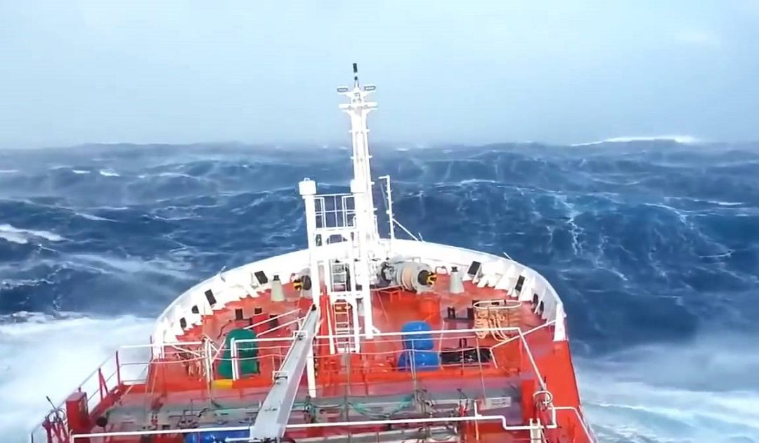 لهذا السبب تم تعليق الرحلات بين ميناء طنجة وطريفة