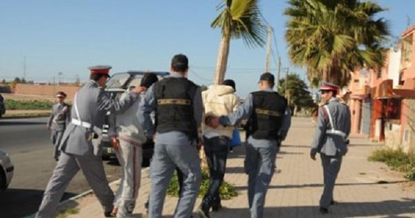 القاء القبض على  3 لصوص سطوا على محطة بنزين بجماعة ايت ايمور ضواخي مراكش