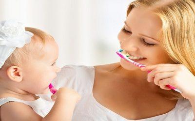 طرق العناية بأسنان طفلك