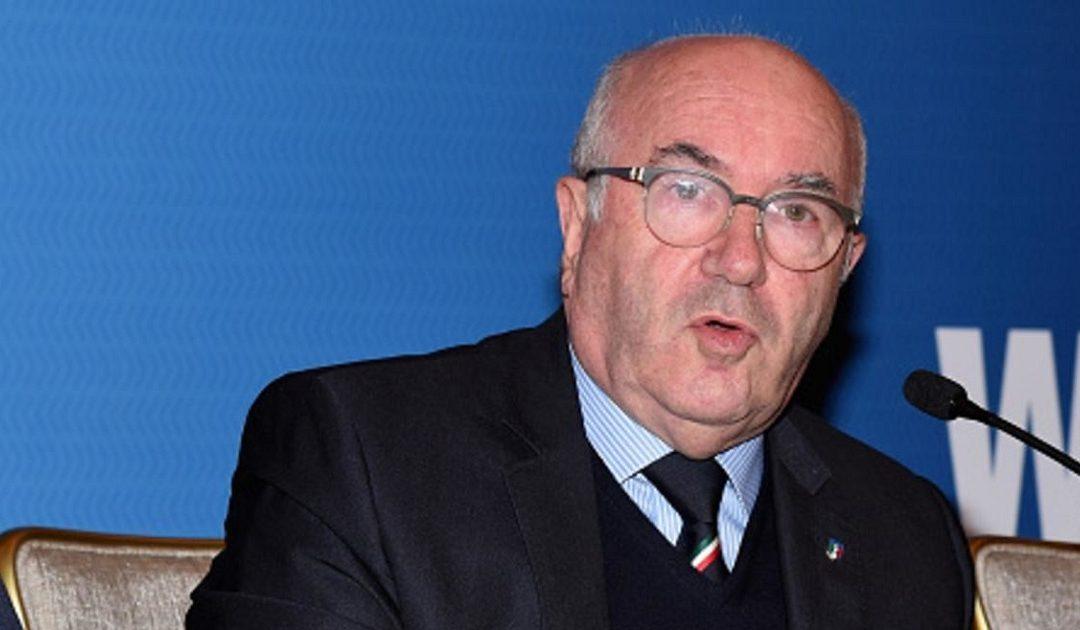 رئيس الاتحاد الإيطالي لكرة القدم يقدم استقالته