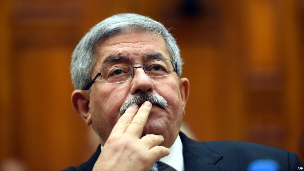 """رئيس الحكومة """"أويحيى"""": """"الجزائر تعاني أزمة مالية خانقة"""""""