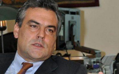 """سفير فنزويلا """"شخصا غير مرغوب فيه"""" بإسبانيا"""