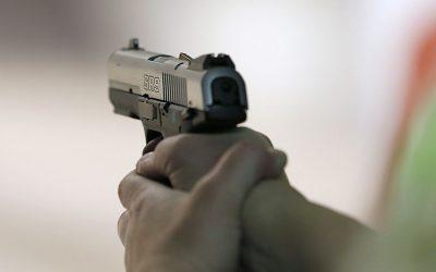 تمارة..شرطي يشهر سلاحه لايقاف شخص خرق إجراءات حالة الطوارئ الصحية