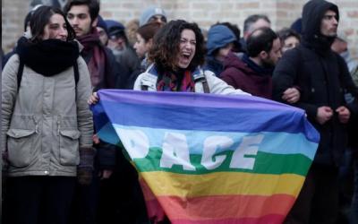 بعد إطلاق النار على مهاجرين..تنظيم مسيرة مناهضة للعنصرية بإيطاليا