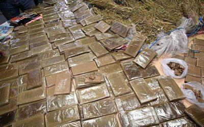 اعتقال 3 أشخاص بتهمة الاتجار في المخدرات والمؤثرات العقلية