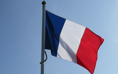 فرنسا تخلي جزيرة سياحية بعدما وجه شخص تهديدا للشرطة