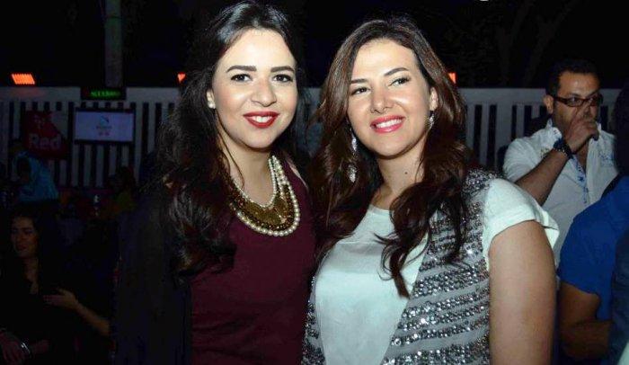 إيمي ودنيا سمير غانم تثيران الجدل بصورة لهما أمام المرآة + صورة