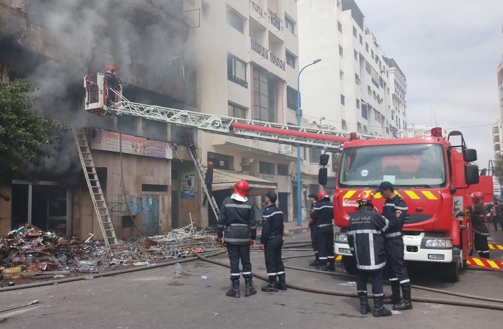 حريق بعمارة سكنية يودي بحياة سيدة بالبيضاء