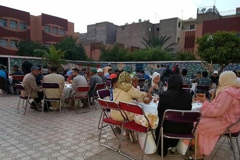 مجموعة أوزون تستأنف مبادراتها الخيرية في رمضان وتجوب المغرب بموائد الرحمان