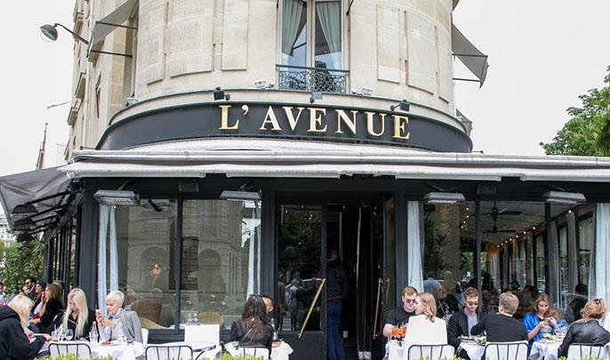 جدل في فرنسا بعد أن منع أفخم مطعم بباريس المسلمين والمحجبات من ارتياده