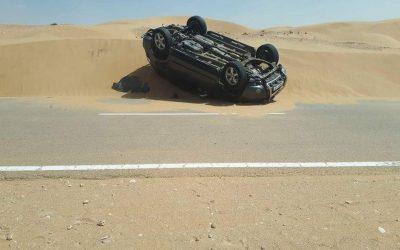 الرمال تغلق طريق العيون فم الواد وتسبب في حوادث و مديرية التجهيز عاجزة عن محاربتها