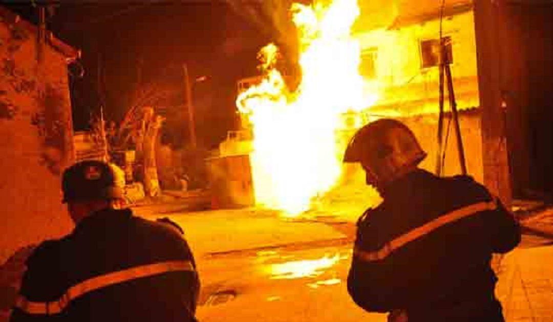 متشردون يضرمون النار بأحد المنازل بالبيضاء + تفاصيل