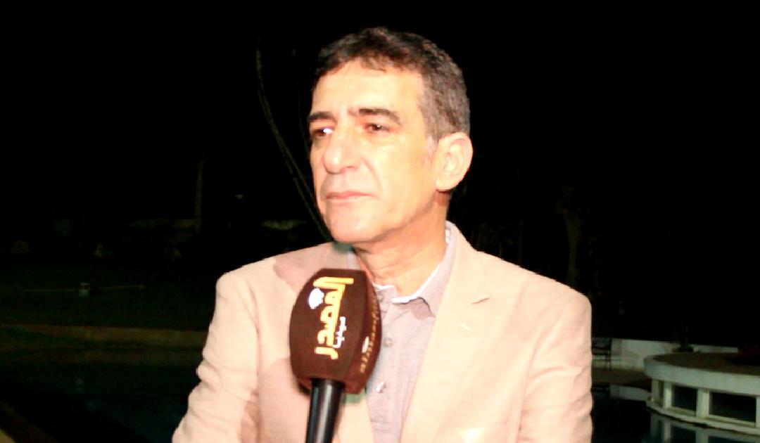 """نعمان لحلو يبعث الأمل في نفوس المغاربة في أغنيته عن """"كورونا"""" + فيديو"""