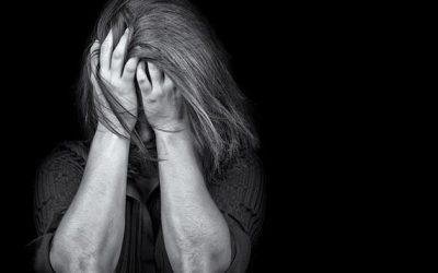 الاكتئاب..المرض الذي ينخر أرواح شبابنا ويدفع بهم إلى الهاوية