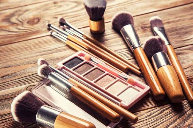 دراسة تربط بين استعمال مستحضرات التجميل والعقم والسرطان