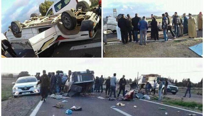 حادثة سير تتسبب في انقلاب شاحنة على متنها عمال زراعيين