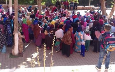 """نساء إقليم أزيلال ينظمن وقفة احتجاجية تضامنا مع """"السعدية"""" شهيدة الإهمال الطبي + صورة"""