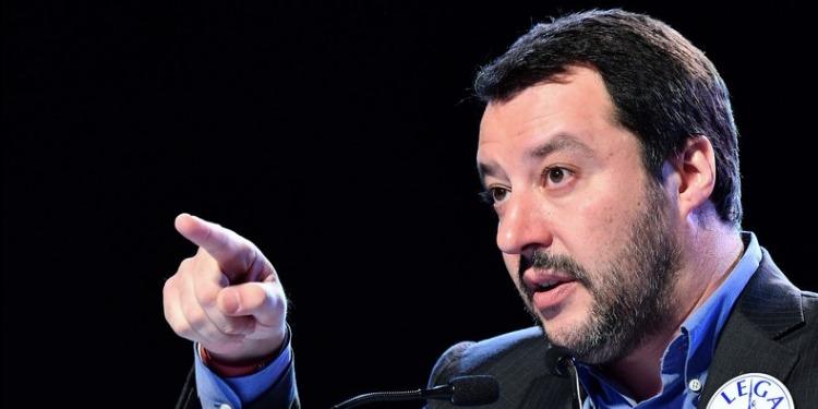 وزير الداخلية الإيطالي: سنعيد المهاجرين إلى أوطانهم سواء التزمنا بالمعاهدات أم لم نلتزم