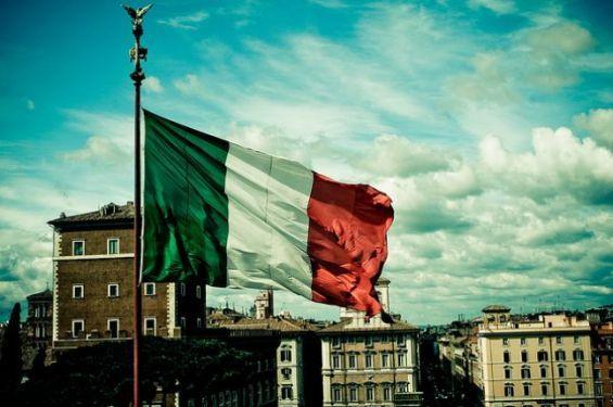 وزير إيطالي يهاجم المهاجرين ويصفهم بالطفيليات