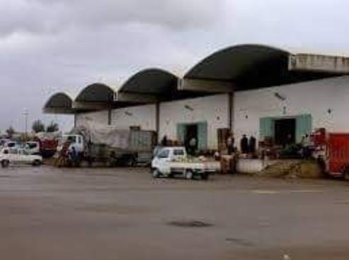 رفض قرار نقل سوق الجملة الاقليمي التجاري الخضر والفواكه بتمارة لمنطقة بولقنادل