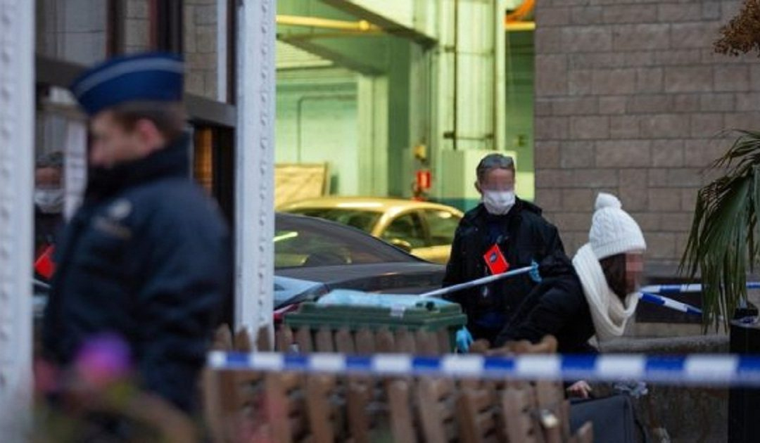 طعن شرطي على يد إسلامي متشدد