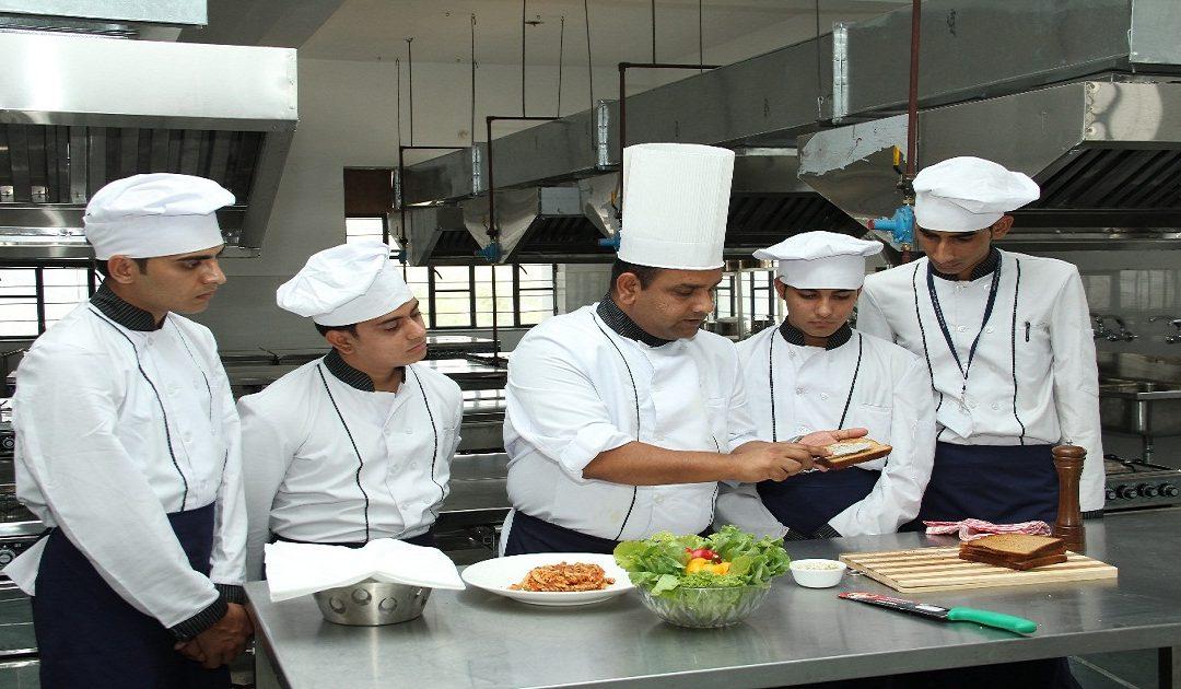 شركات كندية تطلب توظيف 30 طباخ وآخر أجل للتسجيل 13 فبراير