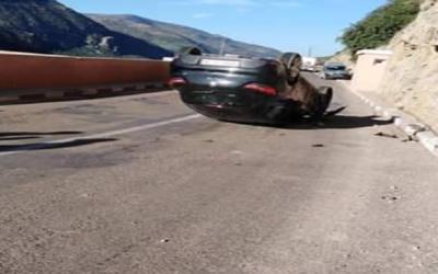 وفاة ثلاث رجال شرطة في حادثة سير خطيرة