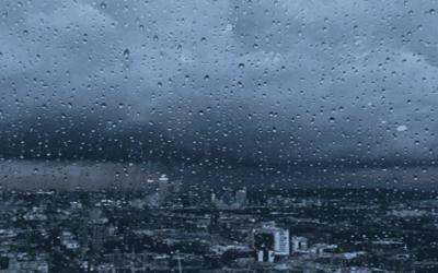 سماء غائمة ونزول أمطار بهذه المناطق بالنسبة ليومه الخميس