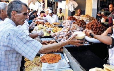 وزارة الداخلية تؤكد على مواجهة كافة الممارسات غير المشروعة الماسة باستقرار الأسعار خلال شهر رمضان