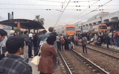 حصري..فتاة تقدم على الانتحار بمحطة القطار بتمارة