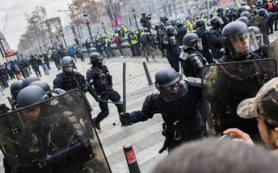 """فرنسا.. ارتفاع حدة الاشتباكات وإعتقال 70 متظاهراً من """"السترات الصفراء"""""""